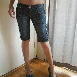 Knee length jeans