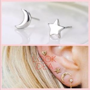 Jewelry - Just in🌙 Moon & Star ⭐️Tiny Dainty Silver Studs💫
