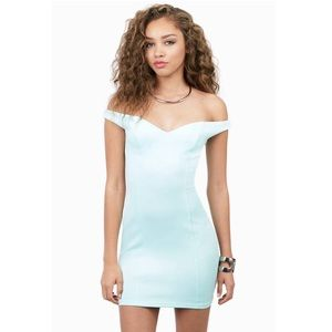 Mint green off the shoulder bodycon dress