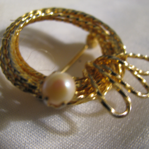 Genuine Pearl Brooch gold wire wrap