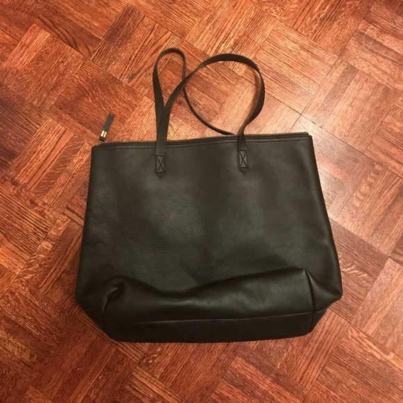 Madewell Bags - FINAL SALE!!MADEWELL transport satchel w/ pockets.