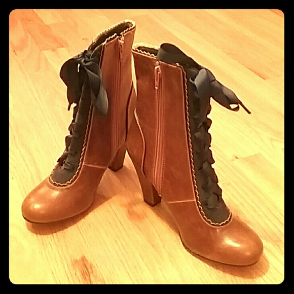 2019 real best collection cute cheap NWOBox Victoria Lace-Up Boots by Chelsea Crew