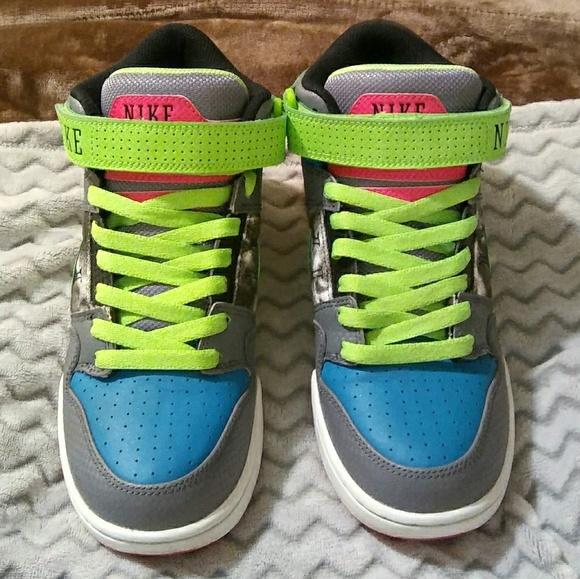 9ae2b74832eb0e Womens Nike Air Mogan Mid 2 Sneakers