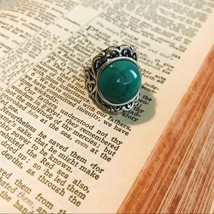 Jewelry - Faux Jade and Silver Ring Size 7-8
