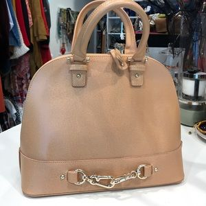 Handbags - Brand new chic nude Handbag.