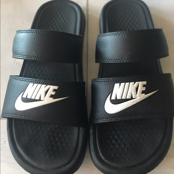 reputable site c5440 91693 Nike women's double strap sandals size 10