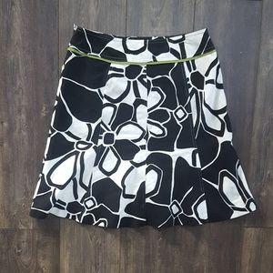 Ann Taylor Black & white floral -  NWOT