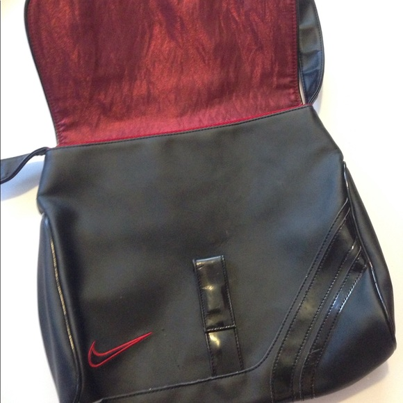 Sale! Nike Sports Bag Shimmer Red Lining. M 5977d3762fd0b7fa7e000bb8 59a67756227e7