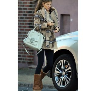 Classic tall, tan UGG's (winter IS coming.....)
