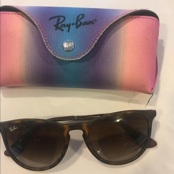 48169302f0e2f Lightly used Ray Ban Erika sunglasses. M 596ca326d14d7bb18e0479d5