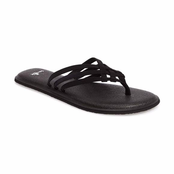 a8b38988b303 Sanuk Shoes