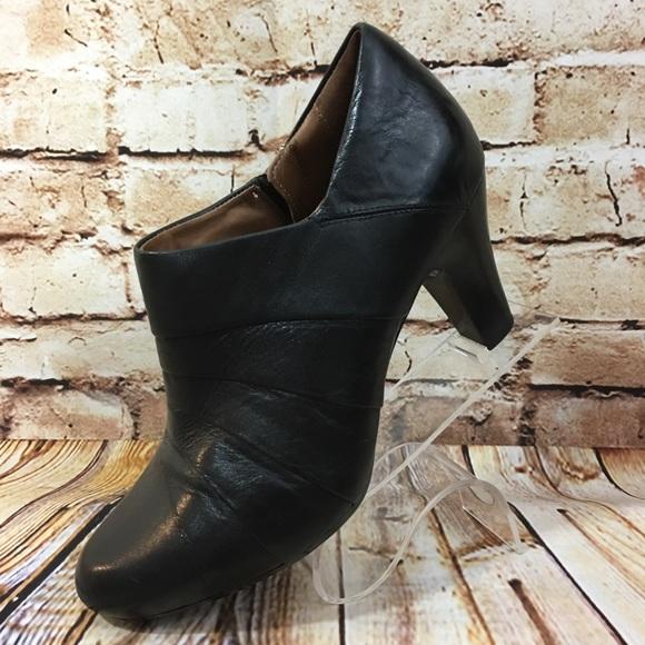 Clarks Shoes   Clarks Artisan Black
