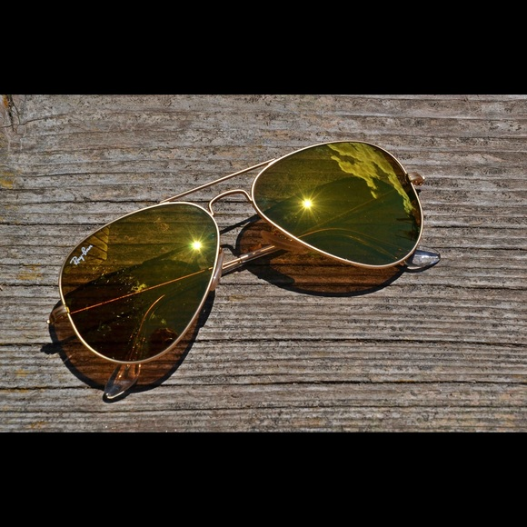 d80ccff5f6 Ray Ban Aviator Sunglasses RB3025 Yellow Flash. M 596ce7c77f0a050ca4001b06