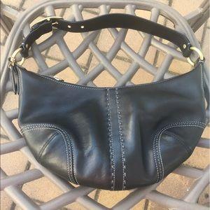 Coach medium leather handbag!