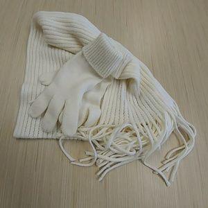 Ivory Scarf Mitten Set