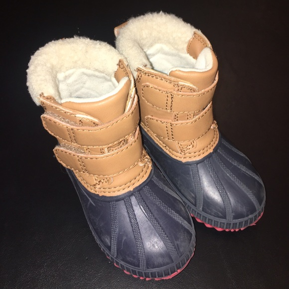 Old Navy - Old Navy Sherpa Winter Velcro Duck Boots -9439