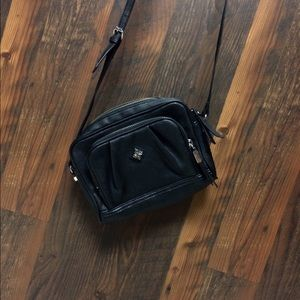 Simply Vera Wang Crossbody Purse Black
