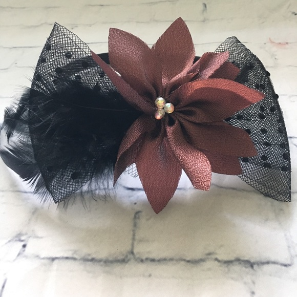 Accessories - Floral Fascinator Headband w Tulle Bow & Feathers