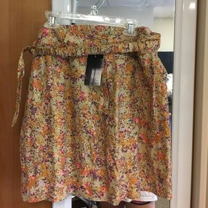 Floral skirt with tags