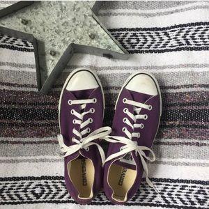 Converse low tops purple