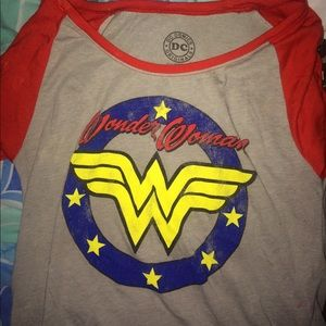 Wonder women t with red sleeves💥💥💥