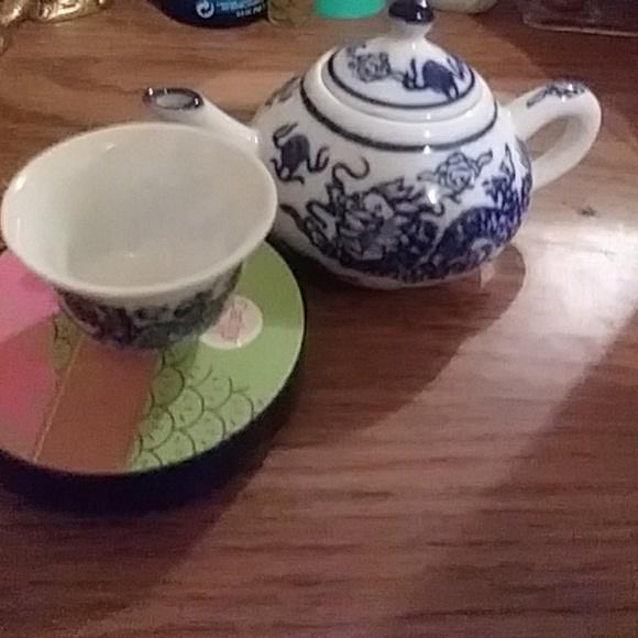 Other - Small decorative japanese ceramic tea set