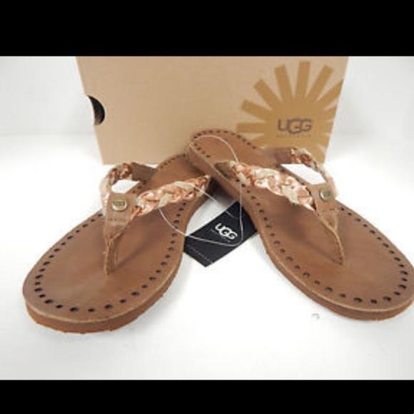 65f0cd1dd19 NIB Women Navie UGG Sandals NWT