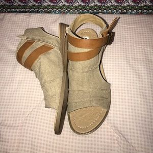 Shoes - Women's brown ankle boot/sandals size 7