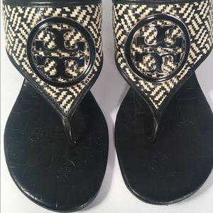 Tory Burch Cream & Black Woven Split Toe Sandals
