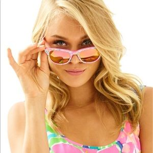 f005784e2d Lilly Pulitzer Accessories - Brand New Lilly Pulitzer Maddie Sunglasses