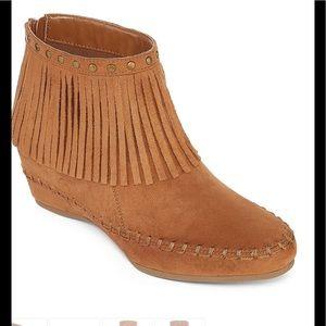 Shoes - NIB Boho Tribal Fringe Booties Walking Moccasins