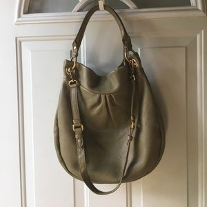 9b5397db66 Marc By Marc Jacobs Bags - EUC MBMJ Classic Q Hillier Hobo, *Desert Olive