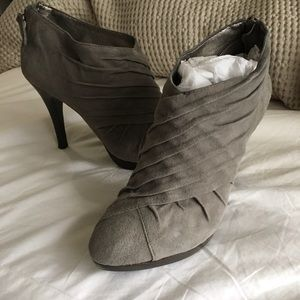Banana Republic gray suede ankle booties