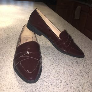 Burgundy shiny stylish work flats