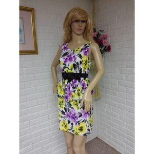 Dresses & Skirts - Floral Peplum Sleeveless Dress (Medium) NWOT