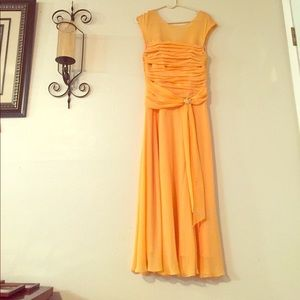 Dresses & Skirts - Signature By Sangria Dress Yellow Formal Gown