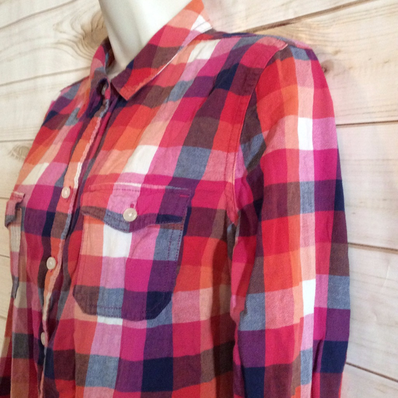 Old navy women 39 s old navy red pink plaid button down for Womens navy plaid shirt