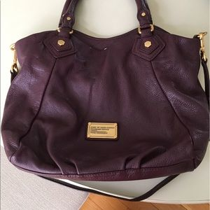 Marc by Marc Jacobs pebbles leather maroon bag
