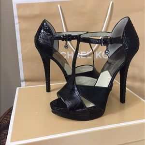 Brand New Michael Kors Shoes Size 7