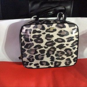 89adc051f0 kate spade Bags - Kate Spade - NWT- Crawford court makeup case.