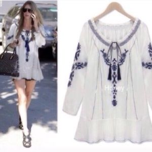 Tops - 🛍ONLY ONE🛍 Summer White Embroidered Tunic Top