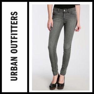 UO BDG Cigarette skinny jeans