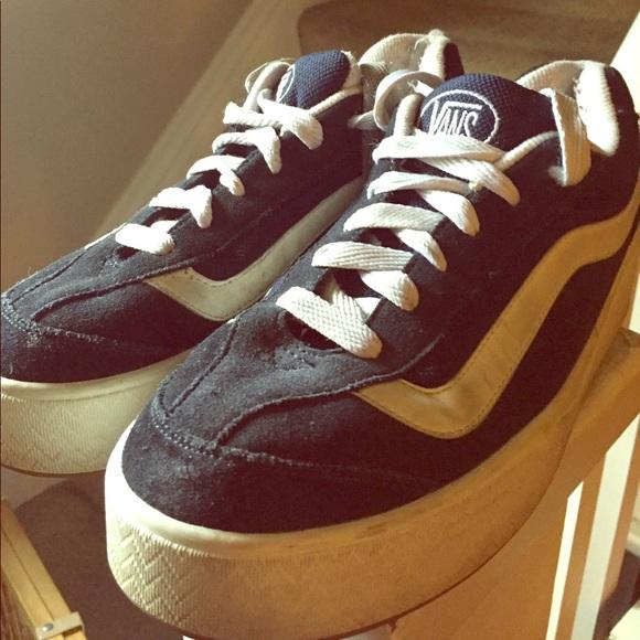 186207b016 Vintage Vans 90s platform skate sneakers. M 596e1e76fbf6f972980064e1