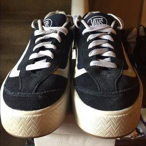 cde935b6246d Vans Shoes - Vintage Vans 90s platform skate sneakers