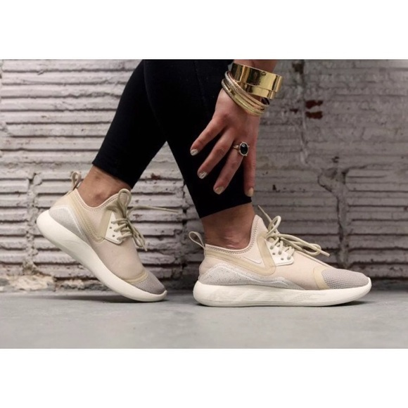 Women s Nike LunarCharge Essential Oatmeal Shoes ed654df877