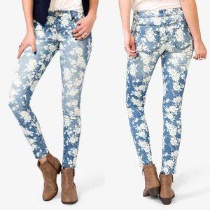 Forever 21 Floral Print Skinny Jeans