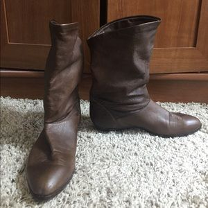 Vintage frye slouchy boots in good condition 5.5M