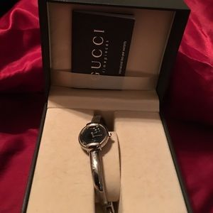 My own use Gucci watch Yes very Authentic