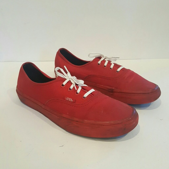 2547f5310d VANS RED SNEAKERS SIZE 7.5 CLASSIC LOW PRO. M 596e5349522b452a9f02676d