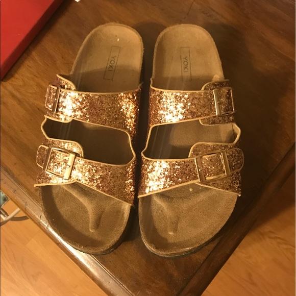 0cb82b69dac Gold Glitter Sandals. M 596e5d644e8d17900e028461